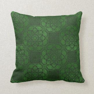 Almohada céltica verde de la mandala