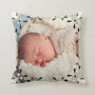 Almohada color nata hermosa de la foto del bebé
