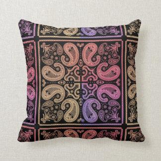 Almohada colorida del algodón de la mandala de