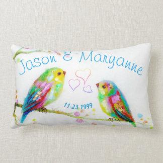 Almohada colorida del boda del nombre de los pares