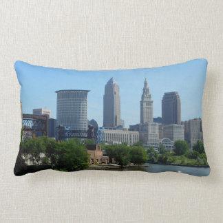 Almohada de Cleveland Ohio de la opinión del río