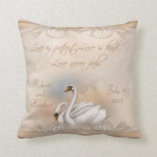Almohada de encargo del boda del cisne