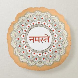 Almohada de la mujer de la yoga de Namaste de la Cojín Redondo