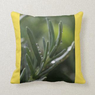 Almohada de la planta verde