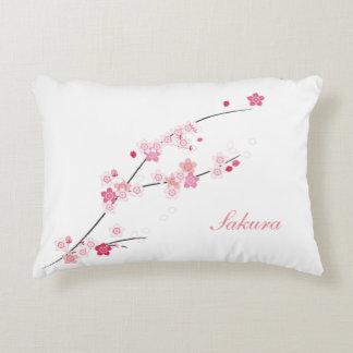 Almohada de la primavera de las flores de cerezo