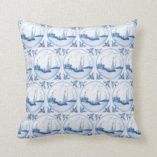 Almohada de la teja del vintage blanco azul del