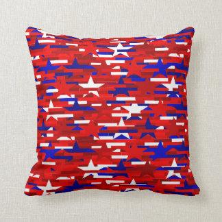 Almohada de las estrellas rojas, blancas, y azules