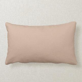 Almohada de moda del color sólido de la almendra