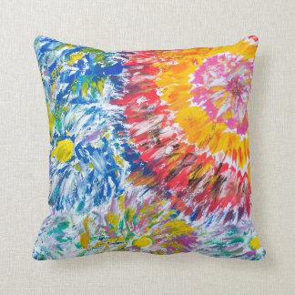 Almohada de tiro abstracta colorida de los