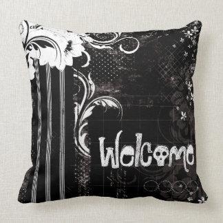 Almohada de tiro agradable floral blanca negra del