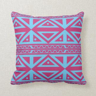 Almohada de tiro azteca geométrica púrpura y azul