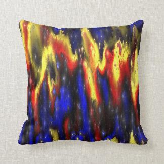 almohada de tiro azul y amarilla roja