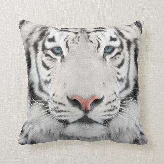 Almohada de tiro blanca de la cabeza del tigre