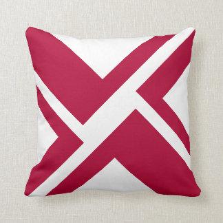 Almohada de tiro blanca y roja