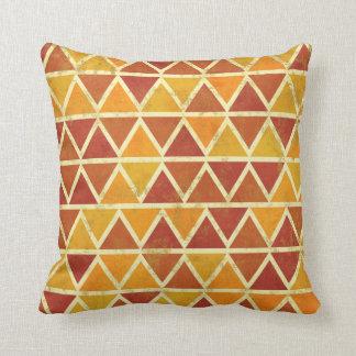 Almohada de tiro colorida decorativa del triángulo