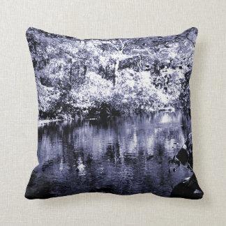 Almohada de tiro - corriente del otoño - tono