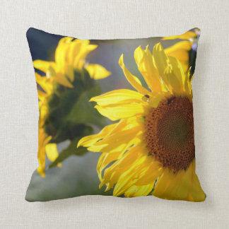 Almohada de tiro cuadrada con diseño del girasol