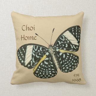 Almohada de tiro de encargo casera de la mariposa
