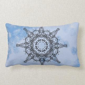 Almohada de tiro de la mandala del cometa en azul