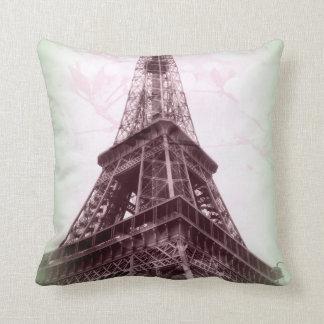Almohada de tiro de la torre Eiffel en verde y