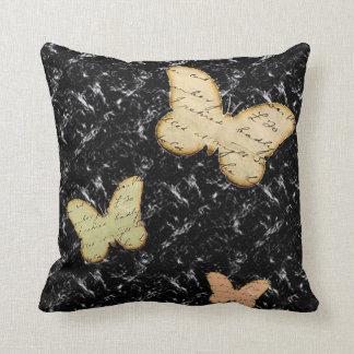 Almohada de tiro de las mariposas