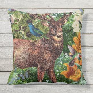 Almohada de tiro de los ciervos/personalizable