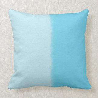 Almohada de tiro decorativa sombreada del azul de