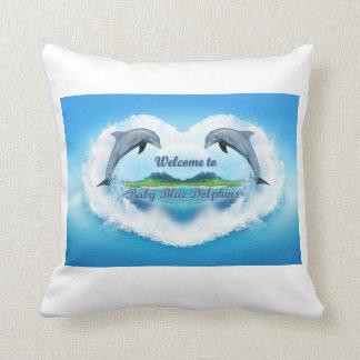 Almohada de tiro del delfín de los azules cielos