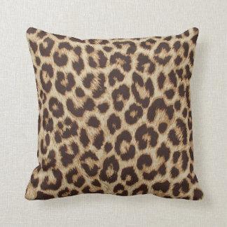 Almohada de tiro del estampado leopardo