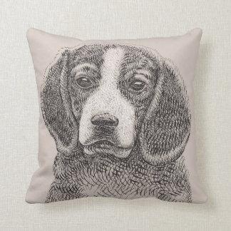 Almohada de tiro del perro de perrito del beagle
