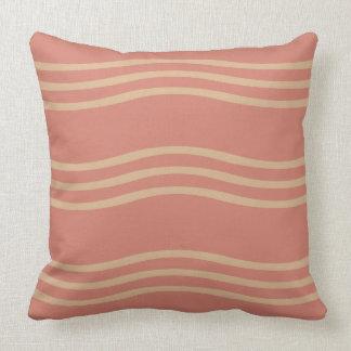 Almohada de tiro en el rosa de color salmón con