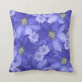 Almohada de tiro floral azul