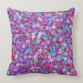 Almohada de tiro floral hermosa
