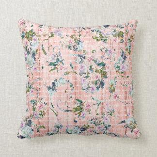 Almohada de tiro floral romántica del rosa y de la