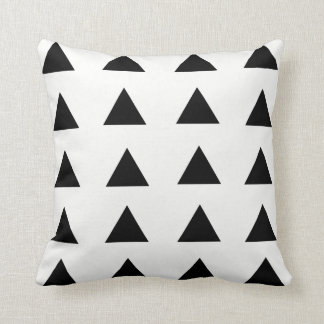 Almohada de tiro geométrica negra y blanca del
