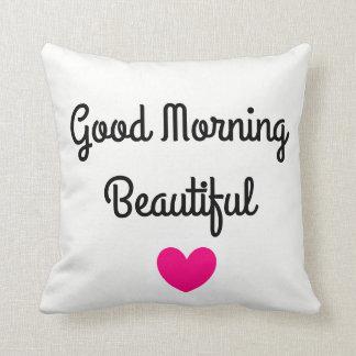 Almohada de tiro hermosa de la buena mañana