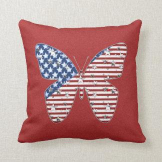 Almohada de tiro patriótica de la mariposa