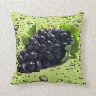 almohada de tiro púrpura de la uva