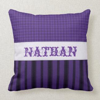 Almohada de tiro púrpura intrépida personalizada