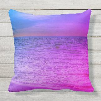 Almohada de tiro púrpura y azul de la playa