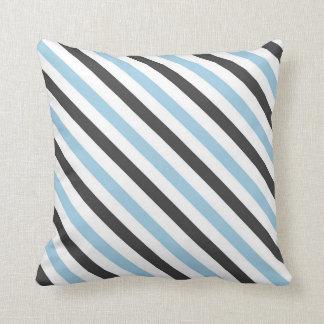 Almohada de tiro rayada blanca, negra, azul clara