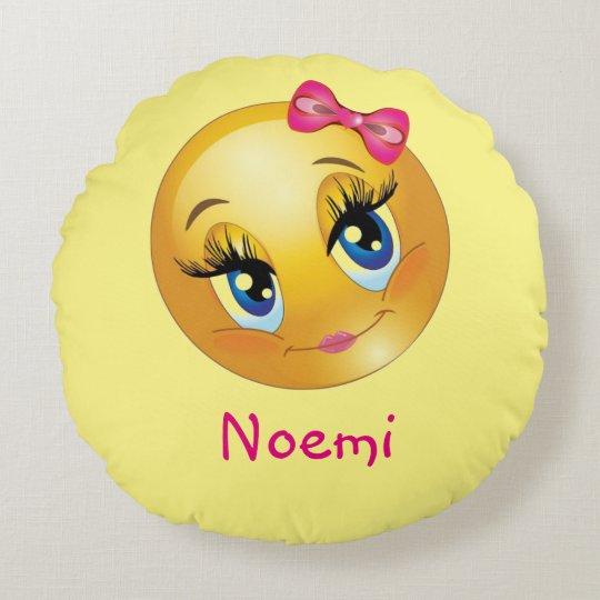 Almohada de tiro redonda de Emoji del chica lindo Cojín Redondo