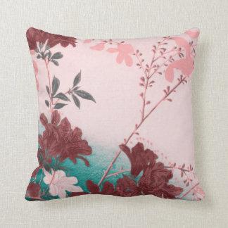 Almohada de tiro rosada de la flor de la