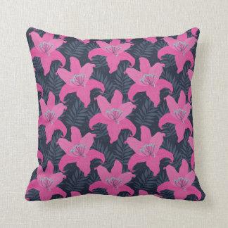 Almohada de tiro rosada tropical moderna de la
