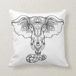 Almohada de tiro tribal del elefante de la alheña