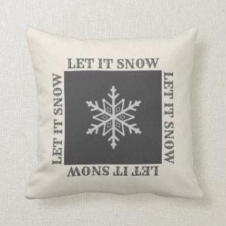 Almohada decorativa del copo de nieve del cortijo