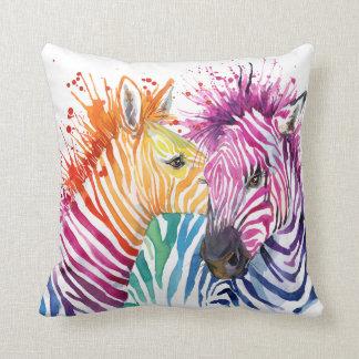 Almohada del arco iris de la cebra