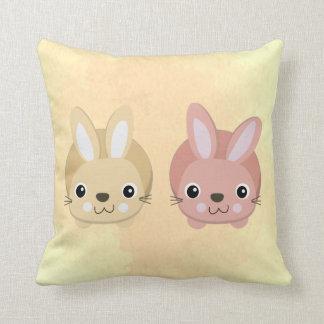 Almohada del conejito para los niños