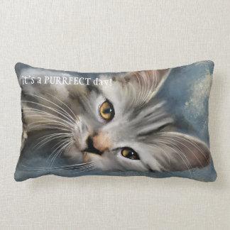 Almohada del gato de Tabby de Purrfect del gris