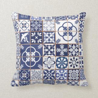 Almohada del modelo de Azulejos